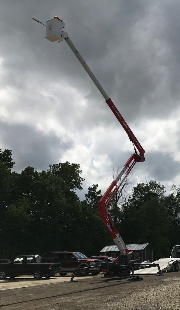 extended tree trimming lift